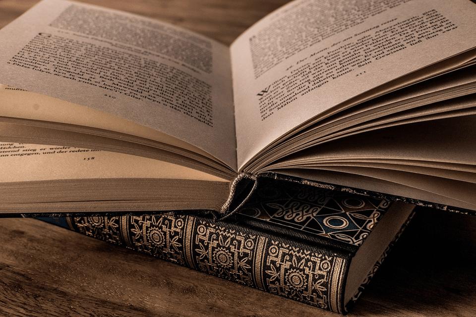 教養の基本は「世界史」と「古典」