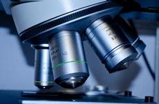 ナノテクノロジーで進化する最先端のがん治療とは?
