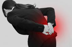 若年層にも広がる腰痛…その意外な原因とは?