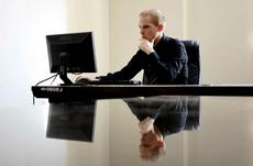 仕事でよくある「無駄な」情報共有の方法