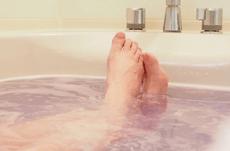 お風呂には何度のお湯に何分浸かるのが最適?