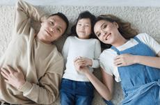 動画にVR…家の中で子どもと楽しく遊ぶ方法