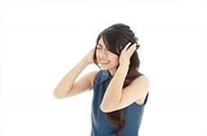 突然の耳鳴り…放っておくとどうなる?
