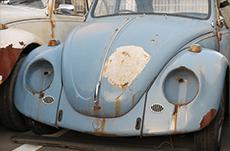 車の塗装が色褪せる原因と対策