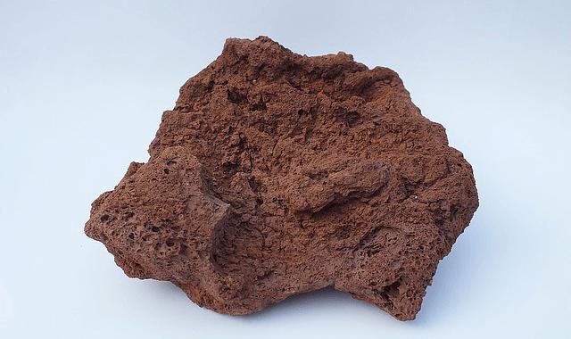 火山灰と噴石による被害の特徴とその違い