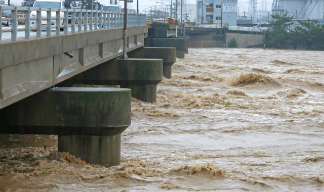 近年、なぜ異常気象の連鎖が起こっているのか
