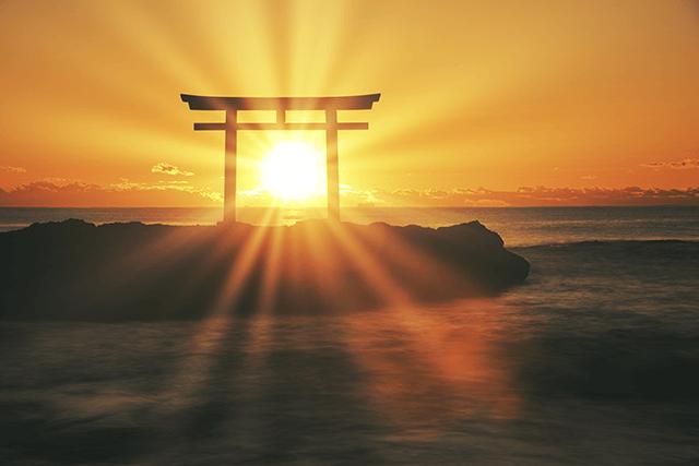 世界神話の中での日本神話の特徴は「人間の格づけ」にある